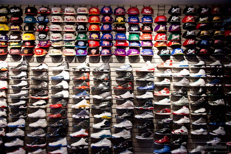 Like Flight Club, Kickz offers a comprehensive variety of trainer shoes, running shoes, boots, basketball shoes and skates. Kickz stores also carry a huge .